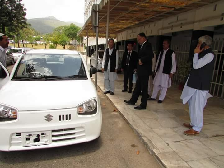Ahsan-Iqbal-Pak-Suzuki-Alto-3