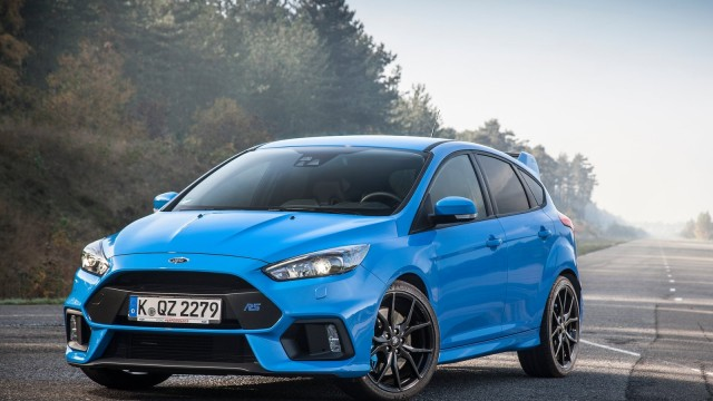Ford-Focus_RS-2016-1600-01