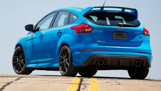 Ford-Focus_RS-2016-1600-6d