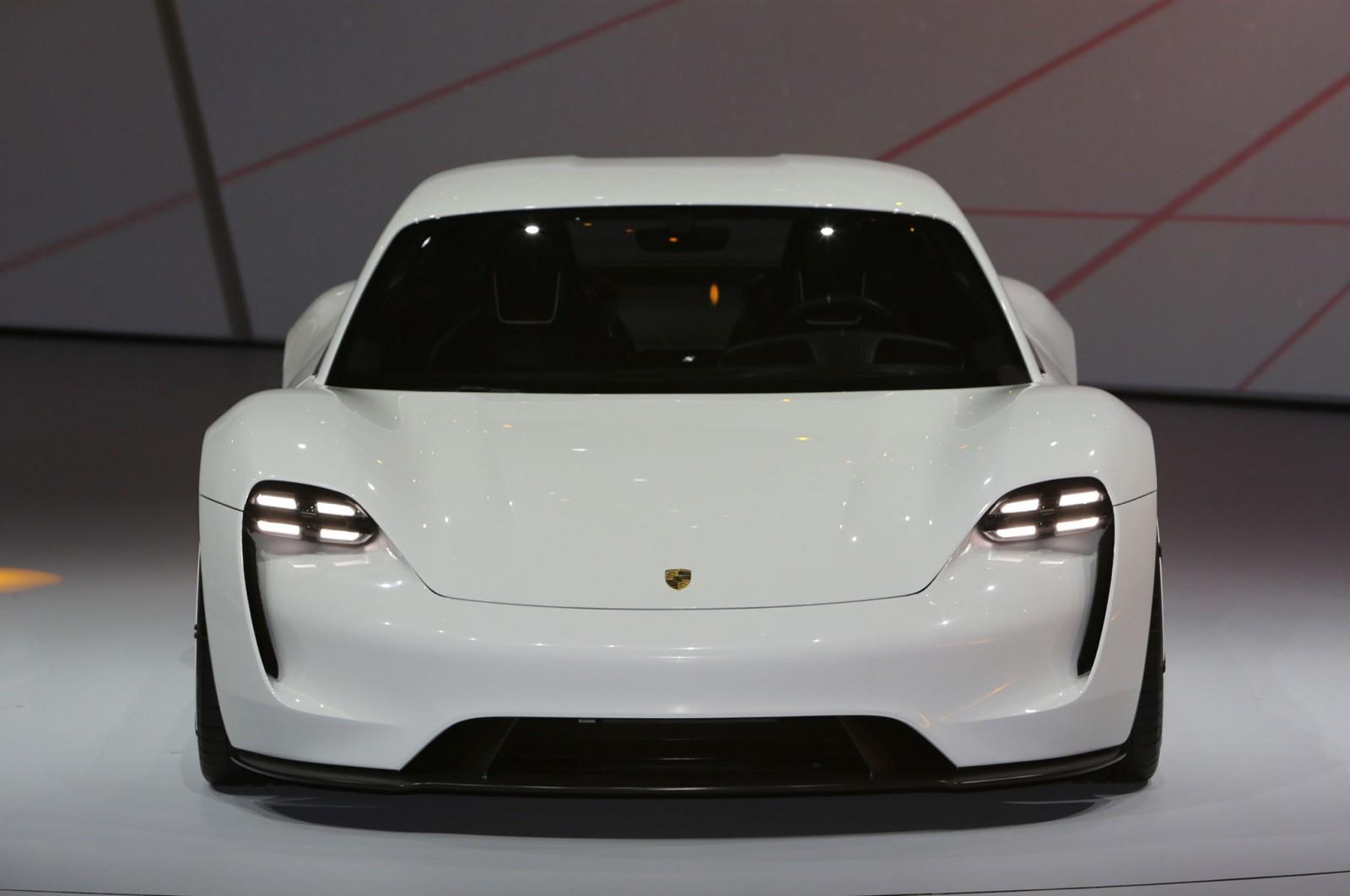 Porsche-Mission-E-front-end