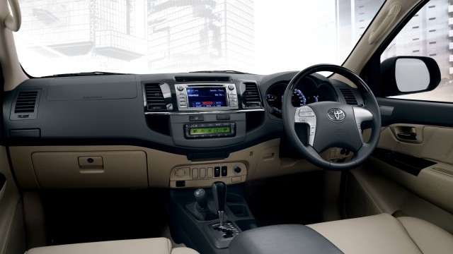 Toyota_Fortuner_LTD_Interior
