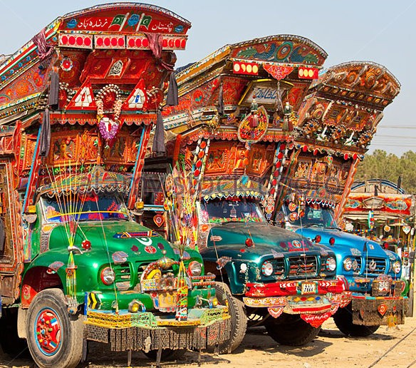 trucks-in-pakistan