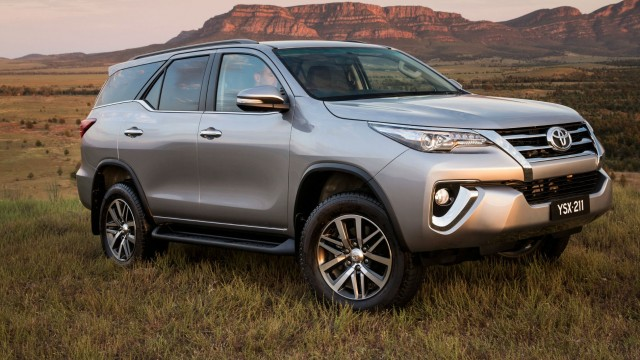 fortuner 2nd gen exterior 2
