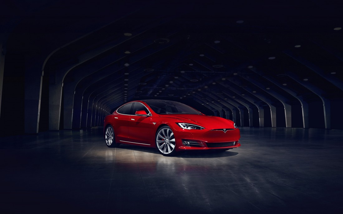 papers.co-aq53-tesla-model-red-car-3840x2400[1]