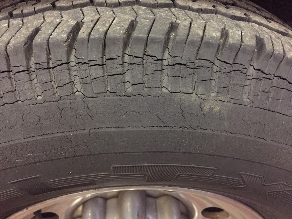 tyre dry rot