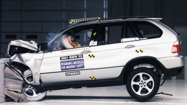 BMW crash test