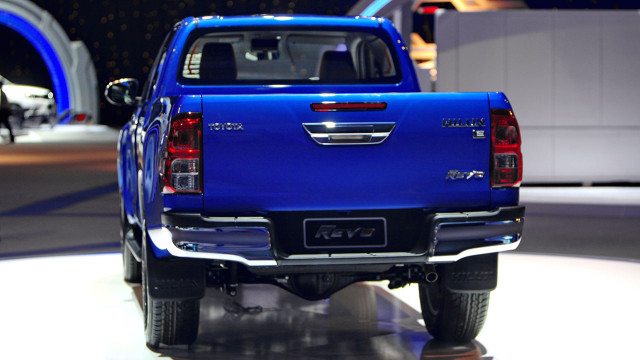 Toyota Hilux Revo Back view