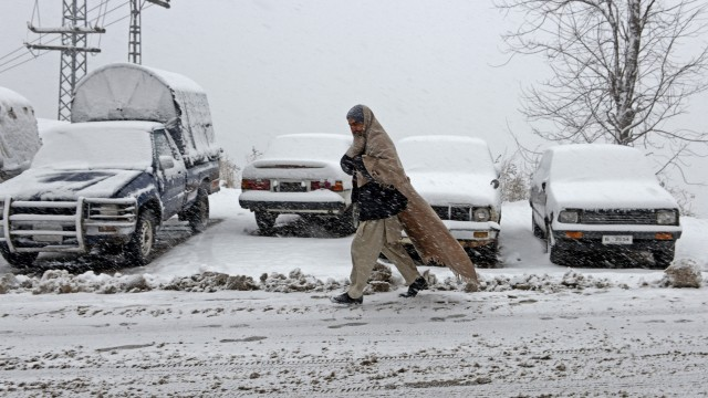 PAKISTAN-WEATHER-SNOW