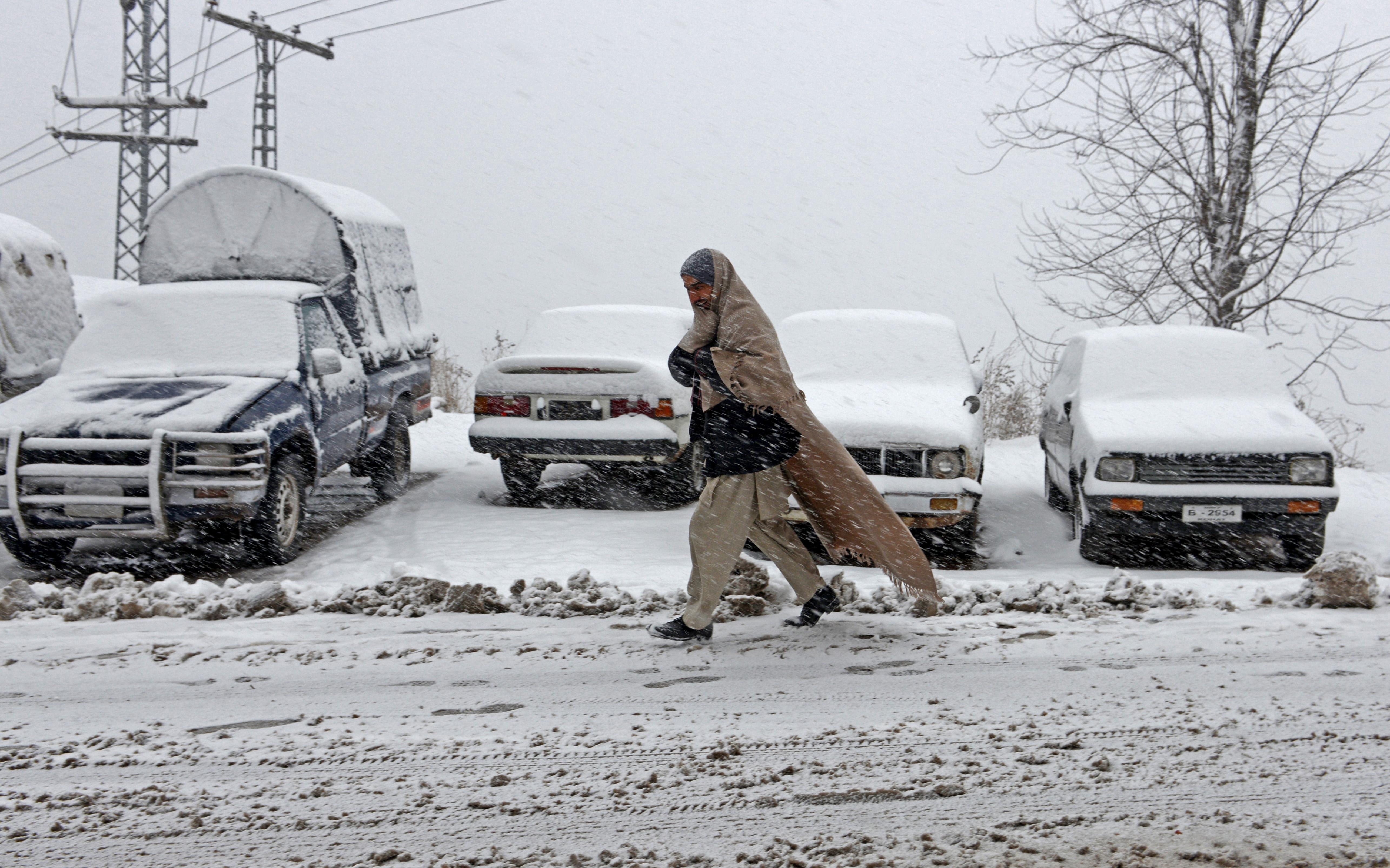 PAKISTAN-WEATHER-SNOW