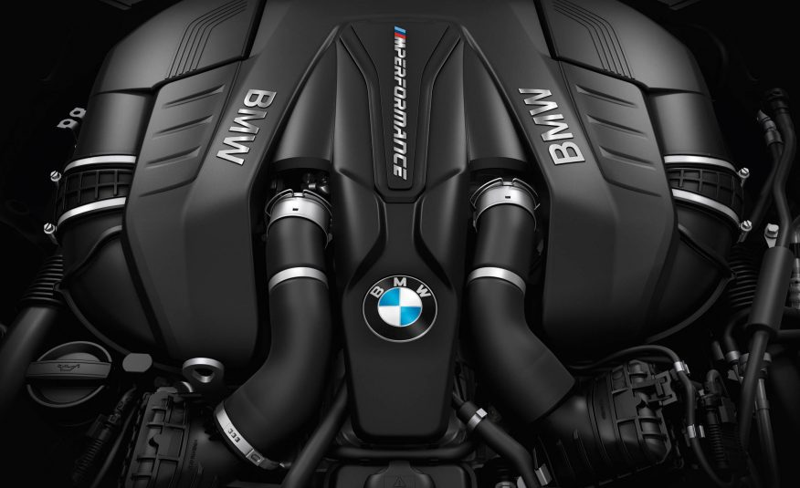 2017-BMW-5-Series-171-876×535