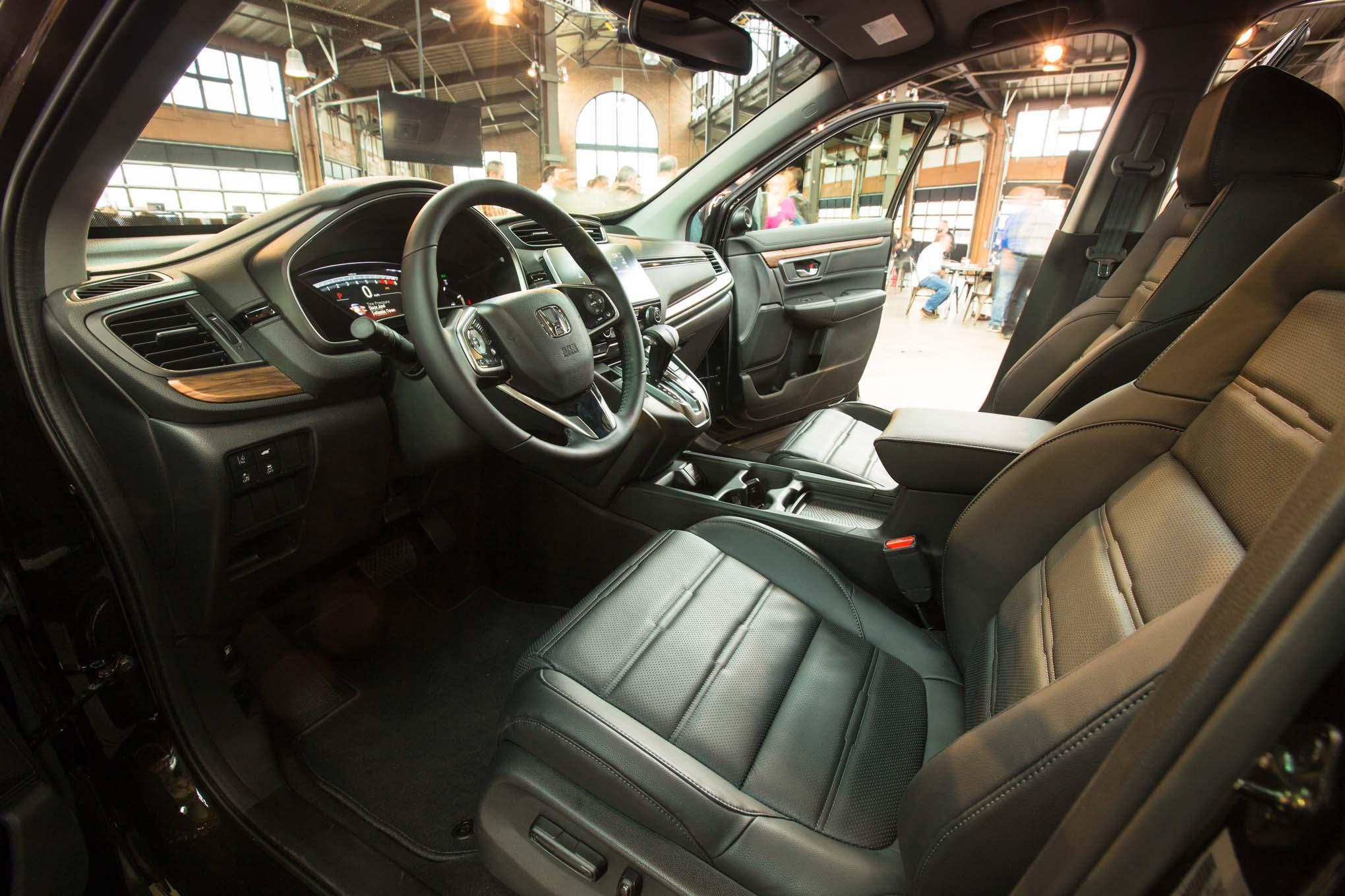2017-Honda-CR-V-interior-03