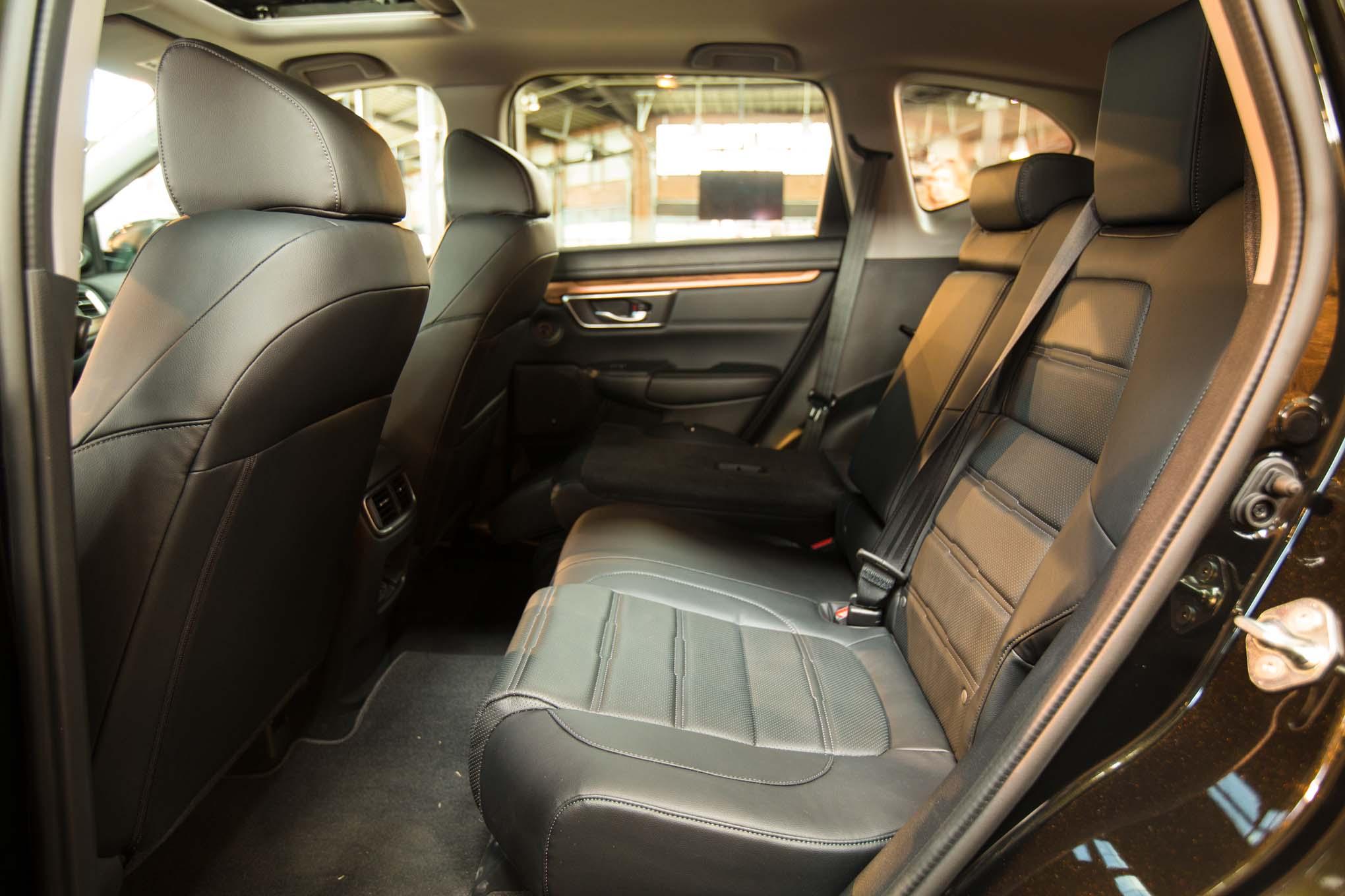 2017-Honda-CR-V-rear-interior-seats-02