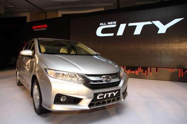 2017-Honda-City-front