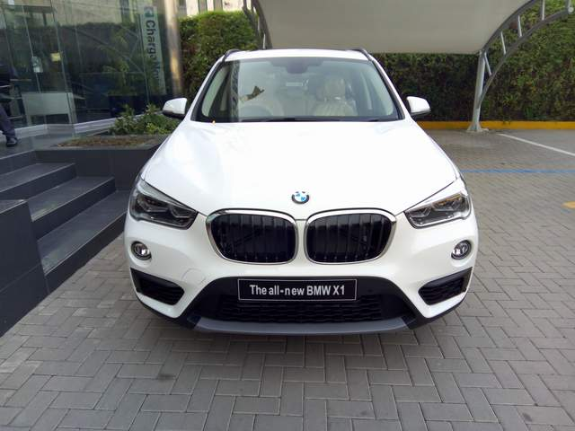 Hands On Experience With Bmw X1 In Pakistan Pakwheels