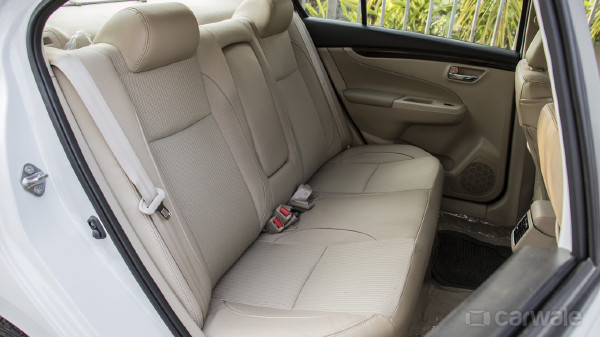 suzuki ciaz an ideal family car for pakistan. Black Bedroom Furniture Sets. Home Design Ideas