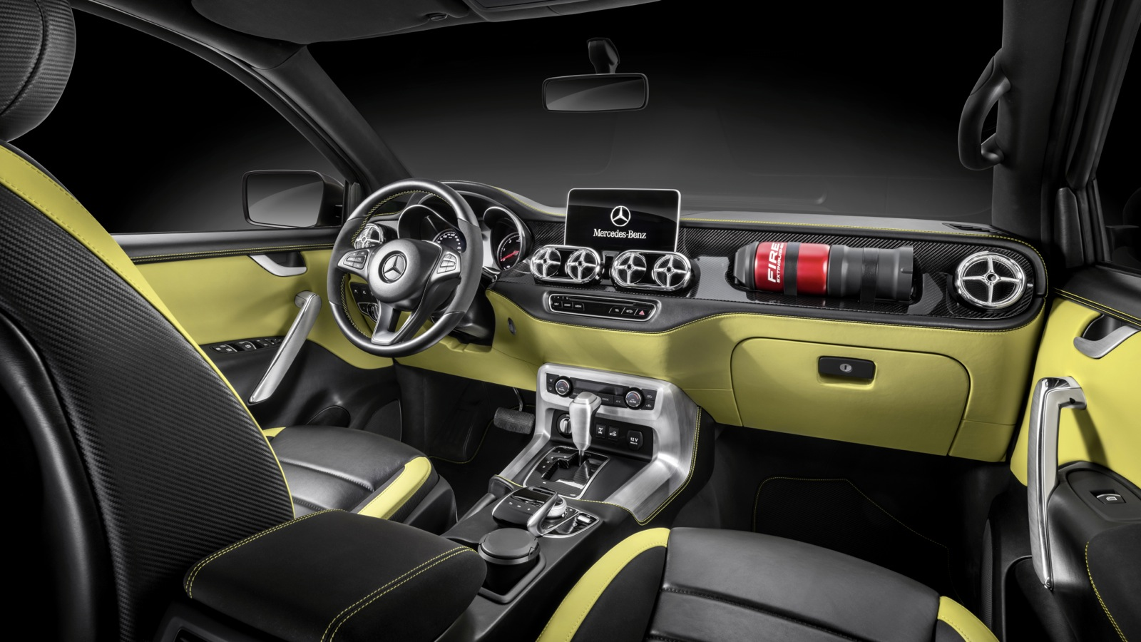 Mercedes-Benz-Concept-X-Class-Powerful-Adventurer_9