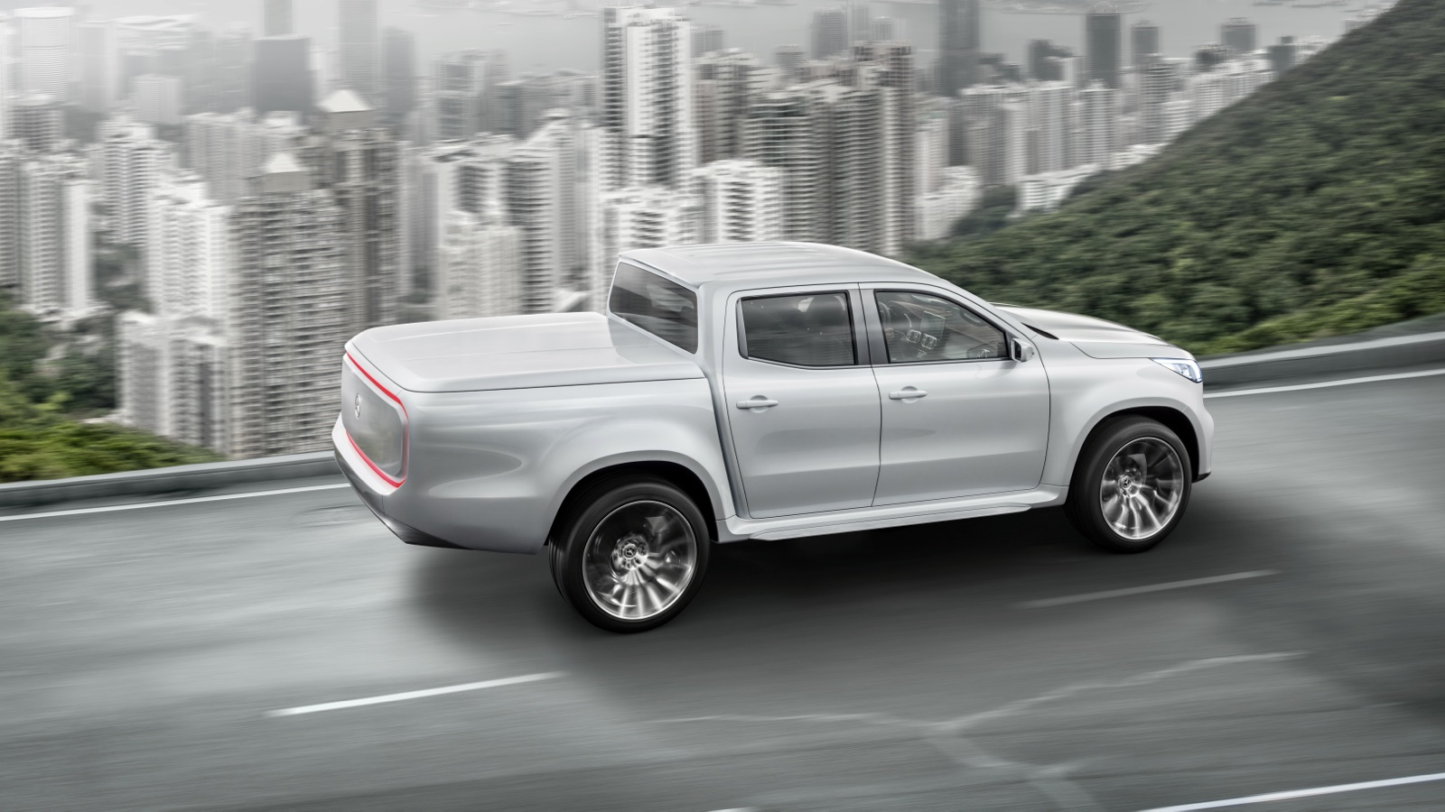 Mercedes-Benz-Concept-X-Class-Stylish-Explorer_01