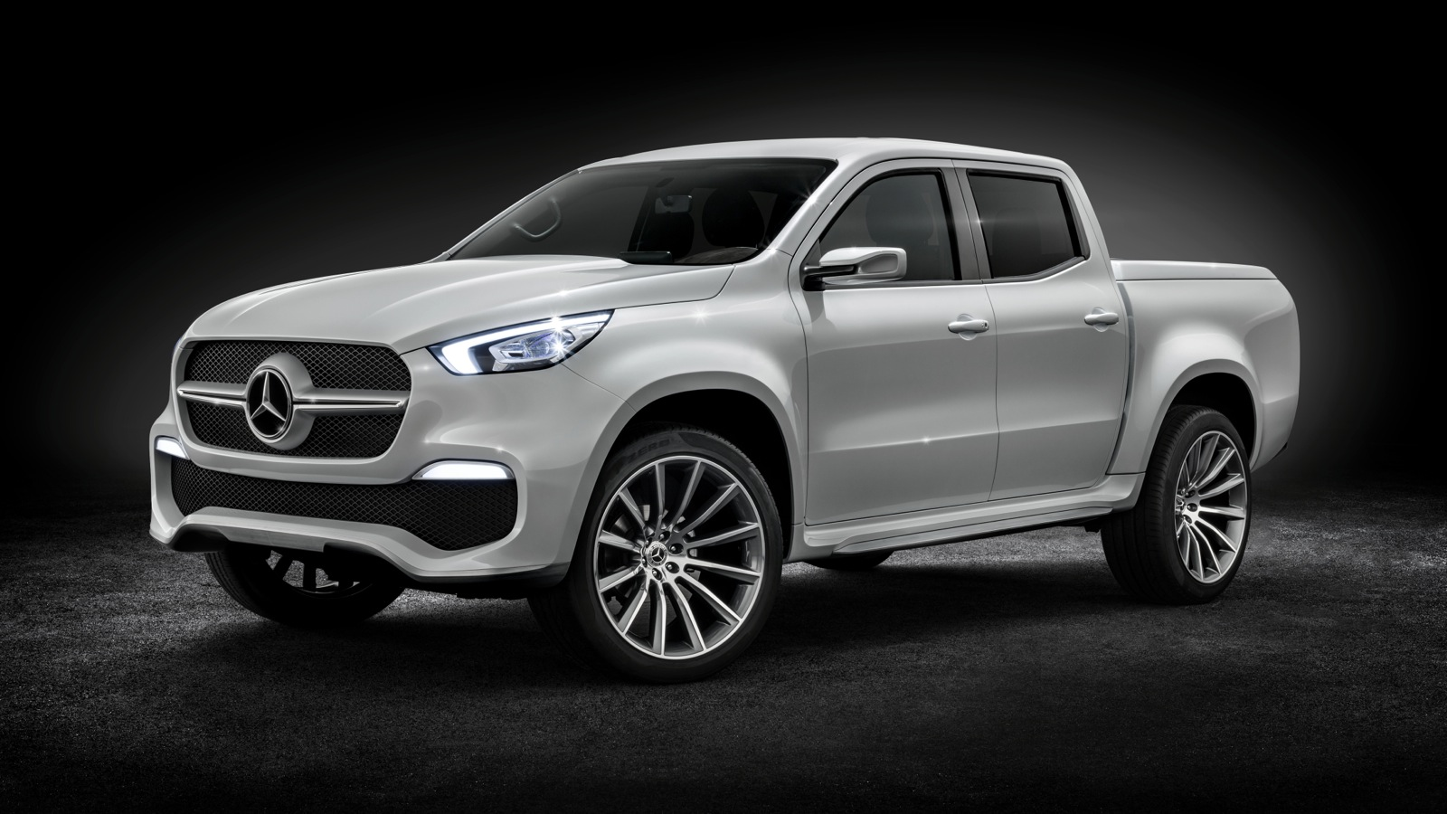 Mercedes-Benz-Concept-X-Class-Stylish-Explorer_02