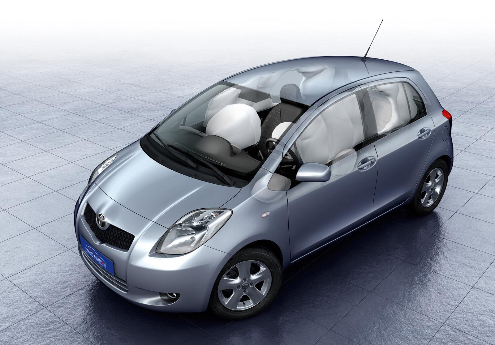 Toyota-yaris-2006-1600-721