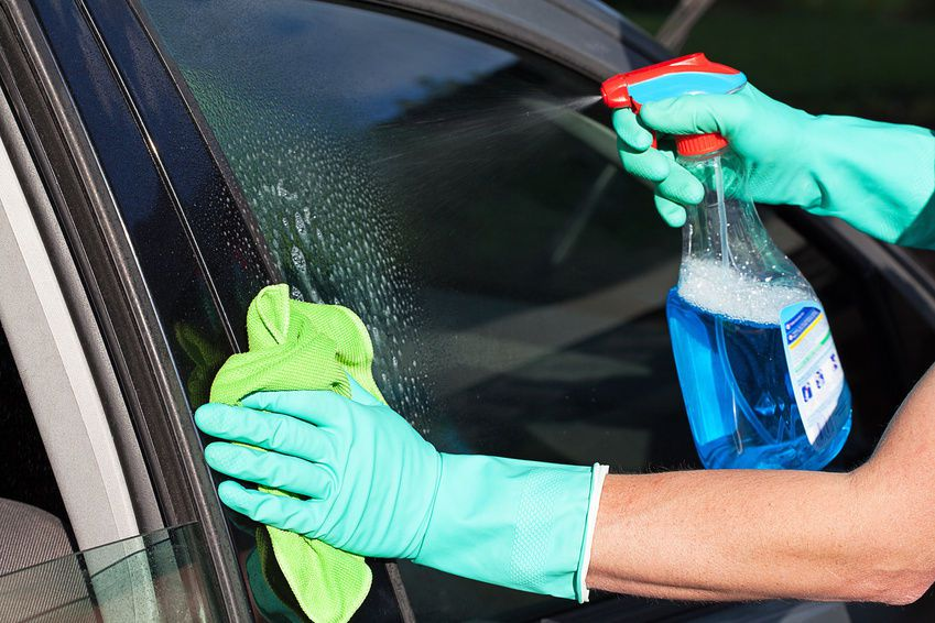 car-window-cleaner
