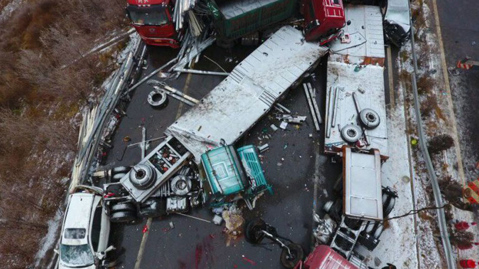 shanxi-highway-collisions-08