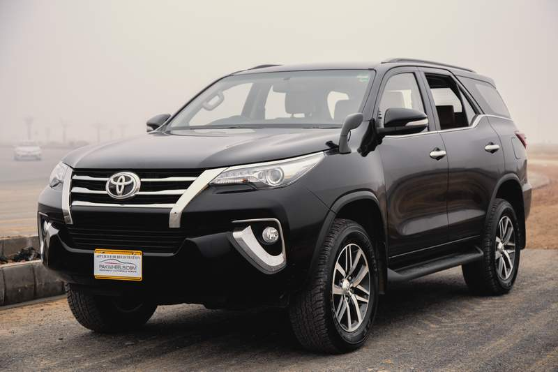toyota fortuner 2017 price in pakistan pictures and reviews
