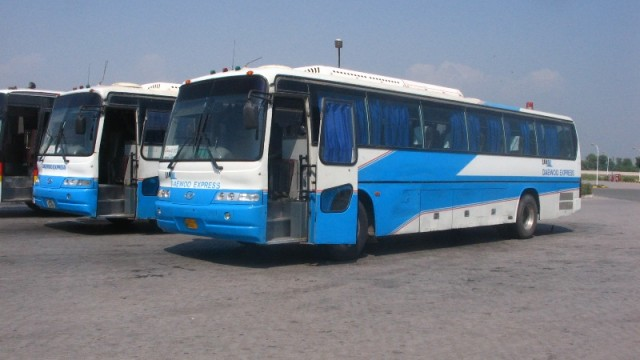 9-sep-daewoo-buses-on-the-m2-640x360