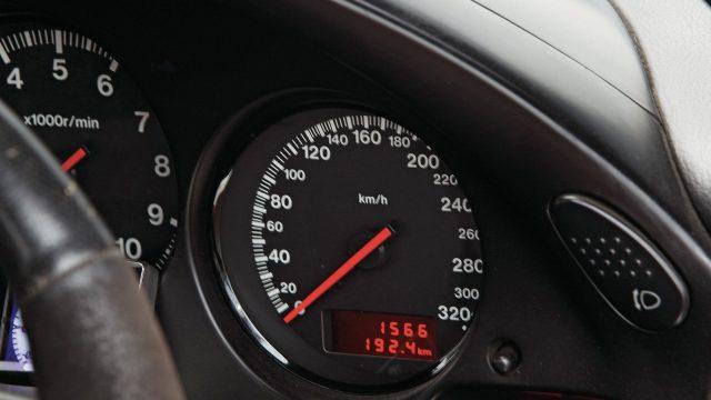 sstp-1105-07-o1996-mazda-rx-7speedometer