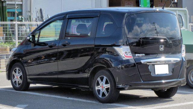 Toyota Prius Alpha Sales | Autos Post
