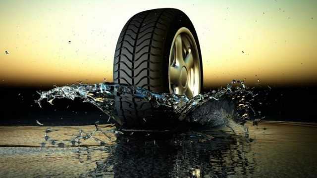 hydroplaning-tire-in-water
