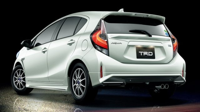 toyota-reveals-2017-aqua-with-trd-and-modellista-kits-in-japan_3