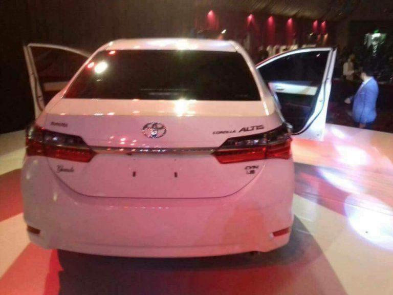 Toyota Corolla Altis Grande 2017 Launched In Karachi