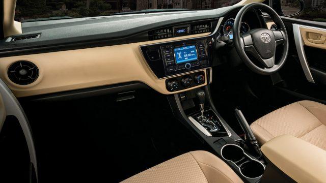Toyota Corolla 2017 Facelift interior