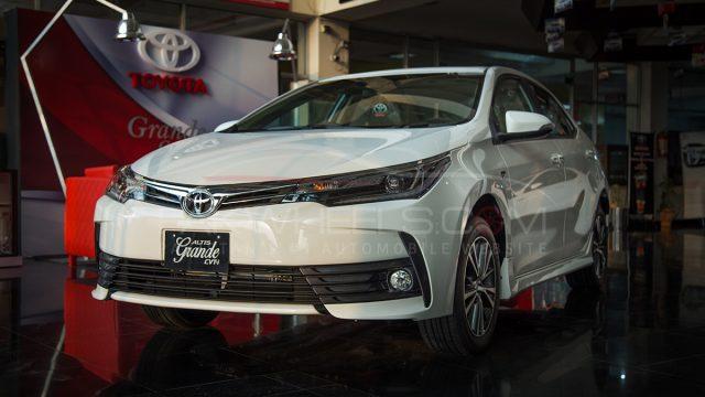 2017 Toyota Corolla Altis Grande Cvt I Pakwheels Detailed Review And Photos