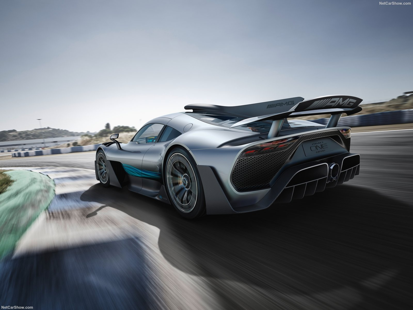 mercedes-benz-amg_project_one_concept-2017-1600-05