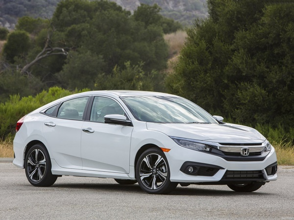 new-honda-civic-india-2016-white-front-angle-image-2