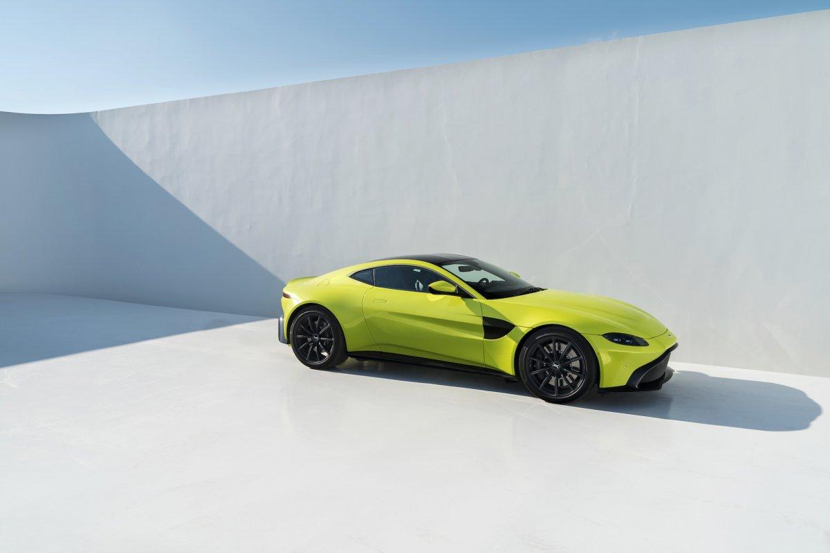 Aston Martin Unveils All New 2019 Vantage News Articles