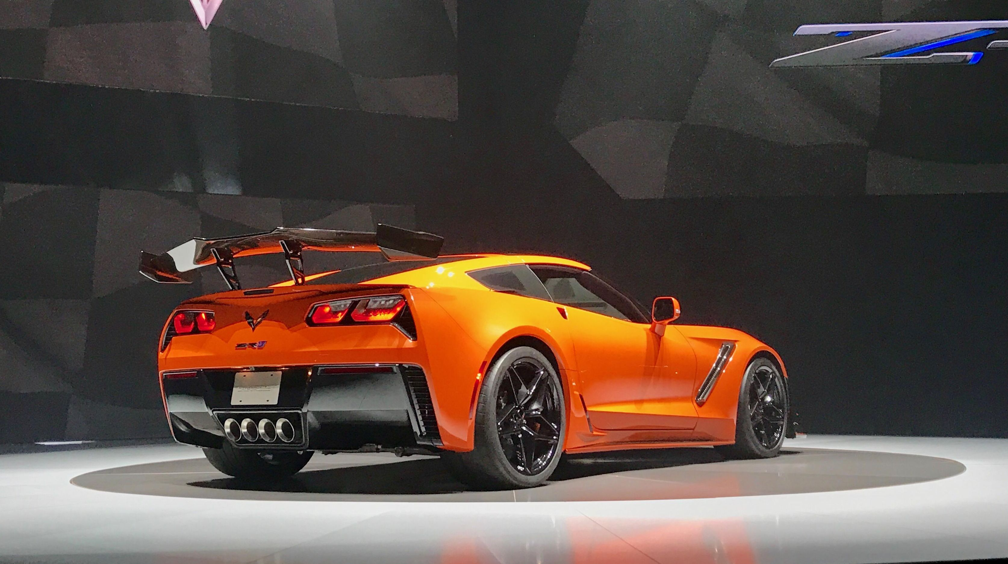 2019-chevrolet-corvette-zr1-5