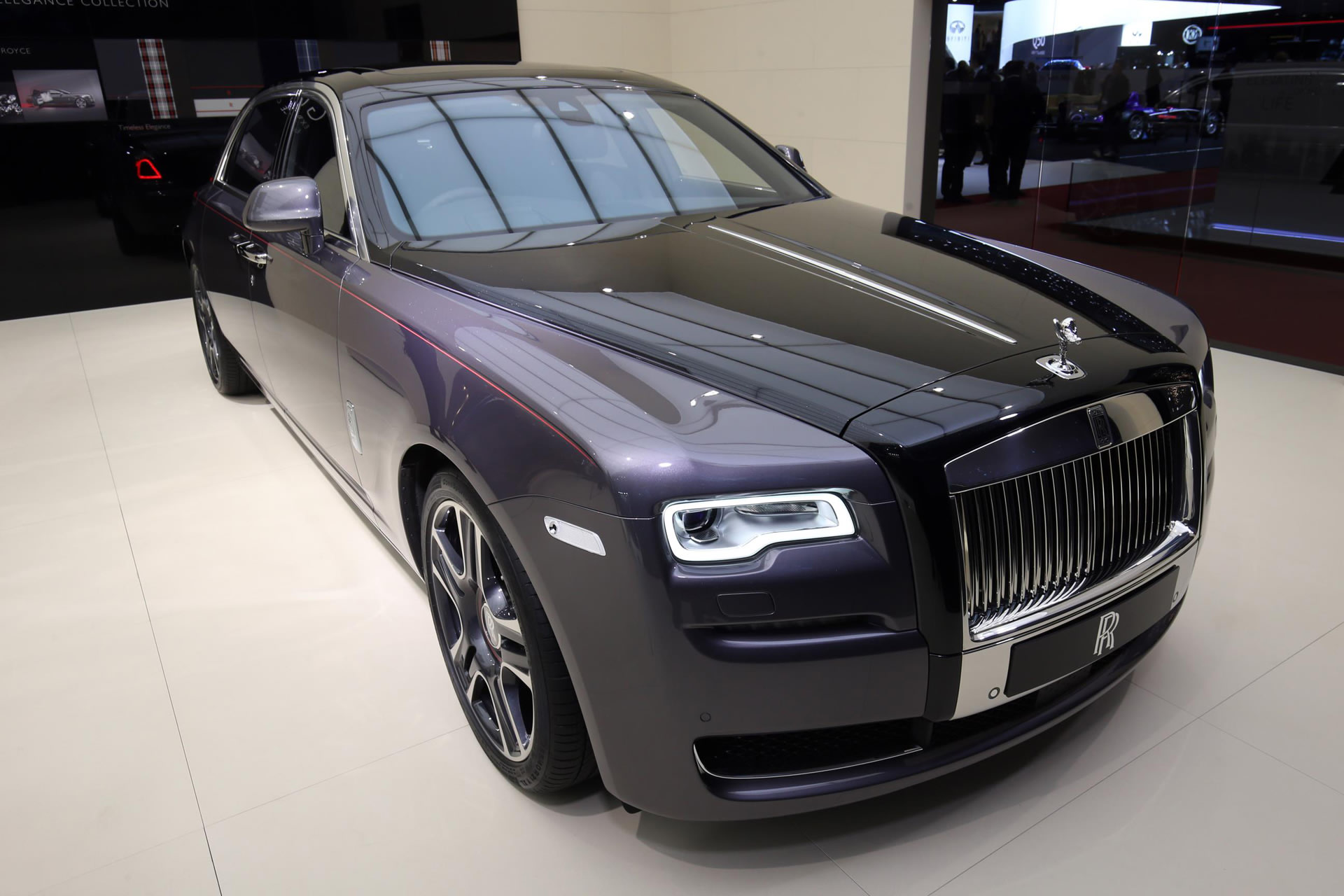 Say Hello to the Rolls Royce Ghost that has 1,000 crushed ...
