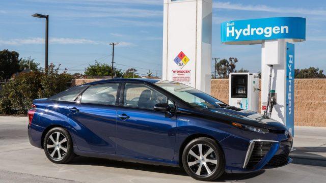 toyota-mirai-hydrogen-car
