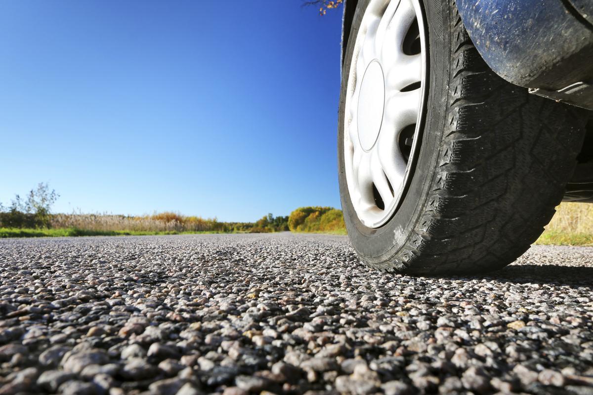 1200-76137979-car-tyre-close-up