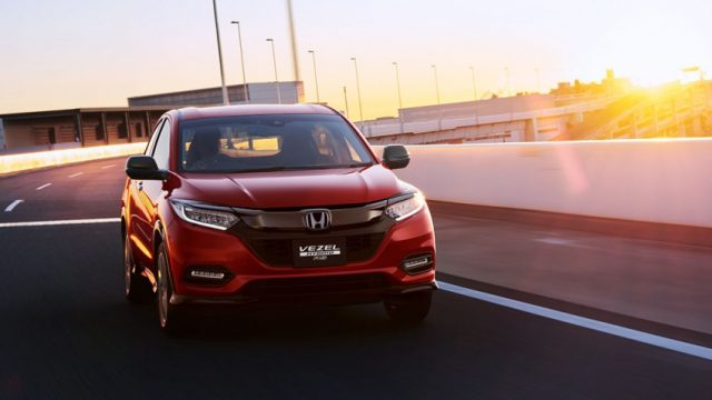 2018-Honda-HR-V-Vezel-Facelift-Japan-(3)