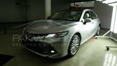 2018 Toyota Camry PakWheels Exclusive (1)