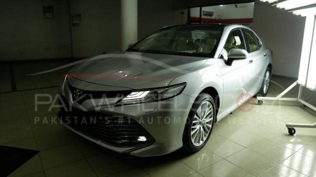 2018 Toyota Camry PakWheels Exclusive (1)