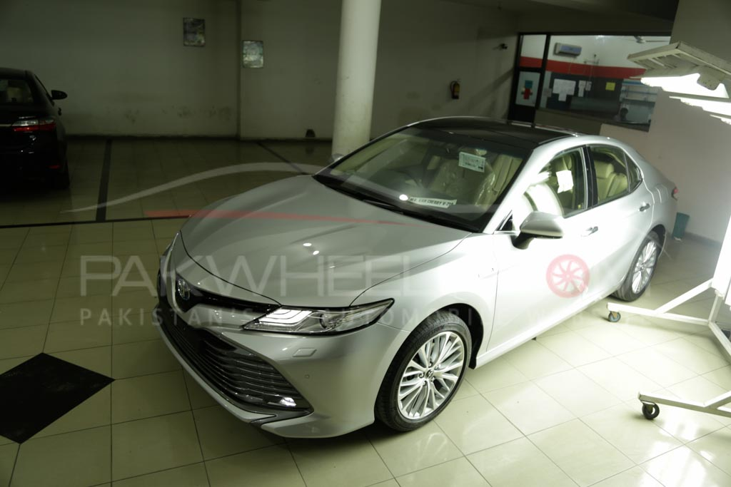 2018 Toyota Camry PakWheels Exclusive (3)