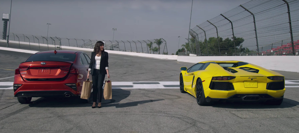 2019-Kia-Forte-vs-Lamborghini-Aventador (2)