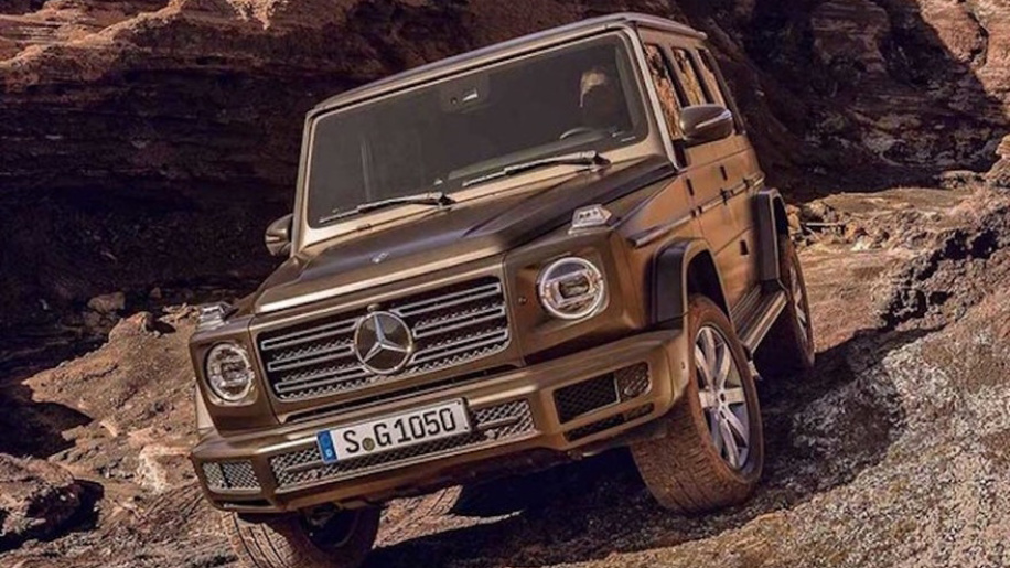 2019-mercedes-benz-g-class-leaked-photos-10
