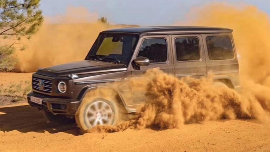 2019-mercedes-benz-g-class-leaked-photos-5