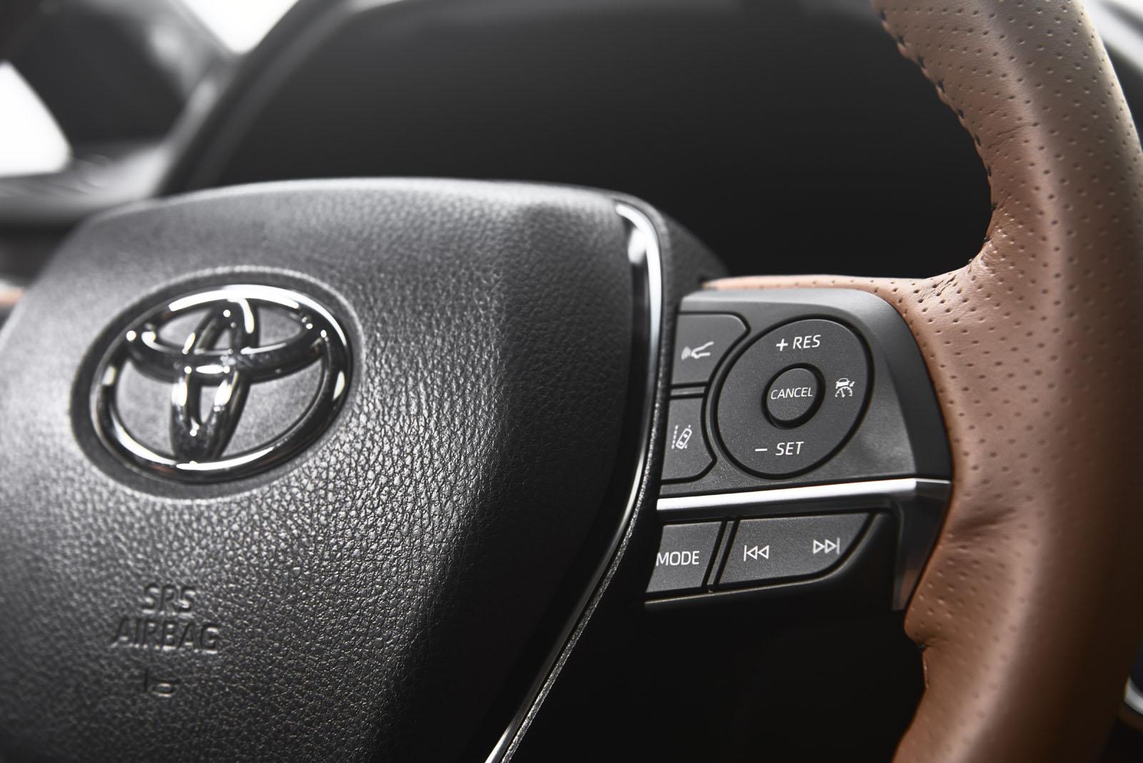 2019-Toyota-Avalon-12