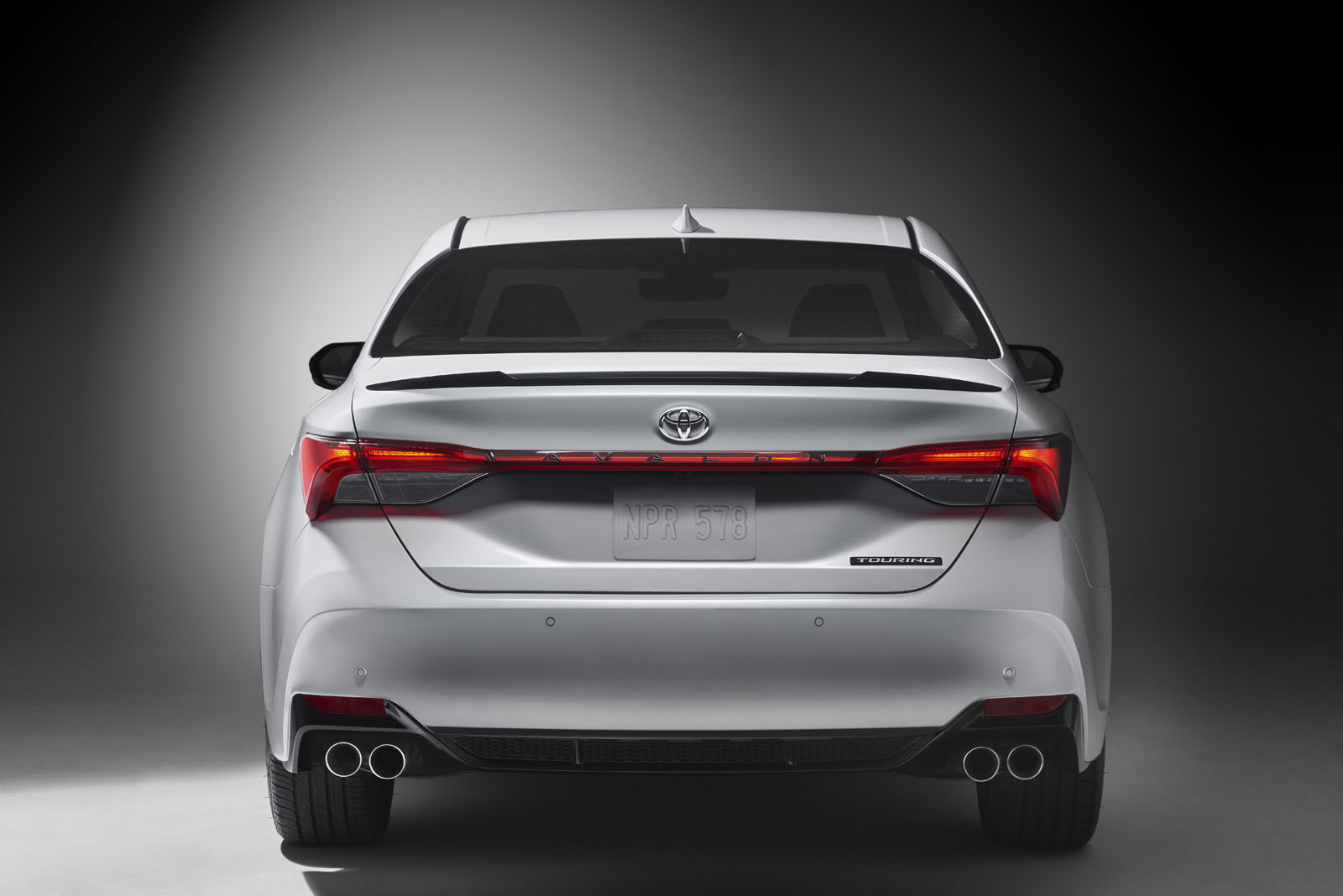 2019-Toyota-Avalon-42